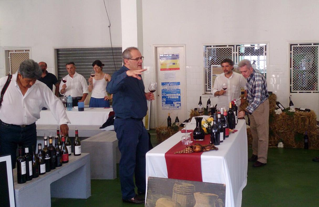 Pedro Ballesteros pronostica excelente futuro a los tintos de la DO Rias Baixas 2