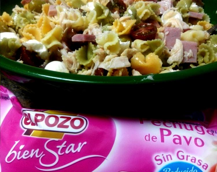 Ensalada de pasta de verano con pechuga de pavo sin grasa reducida en sal 2