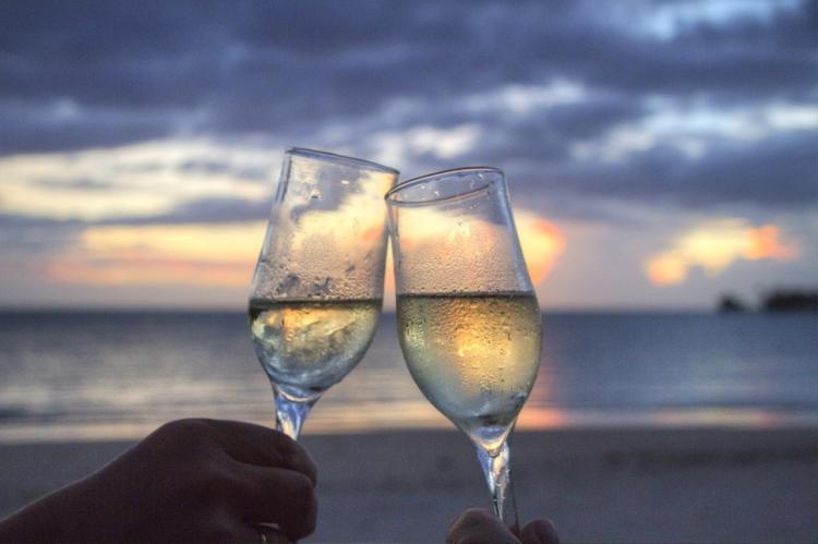 Las parejas con hábitos similares de bebida tienen relaciones más felicesLa 1