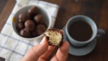 Bombones de chocolate y coco muy sencillos 1
