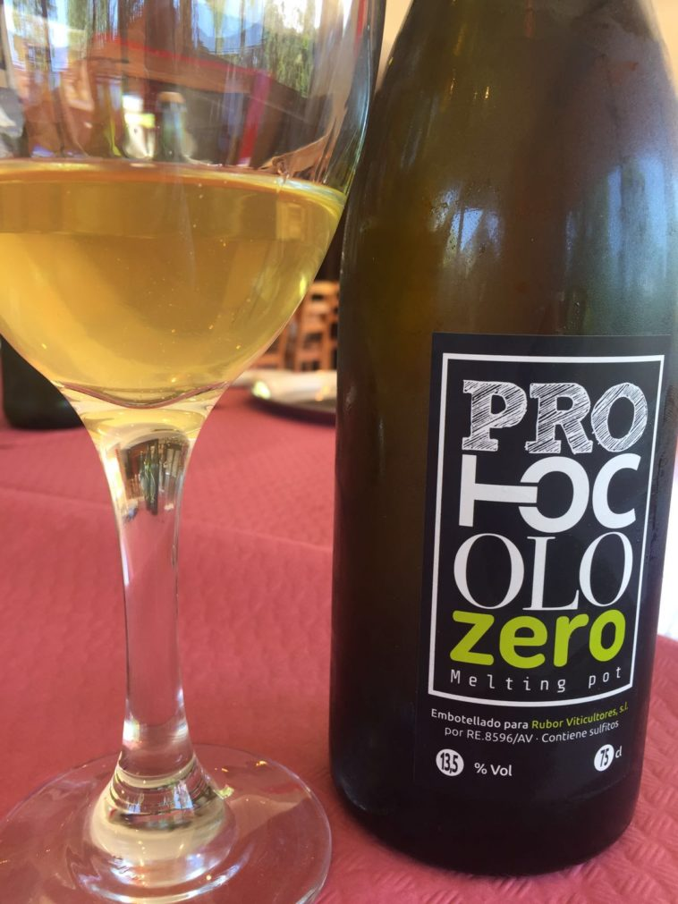 Catamos Protocolo Zero Melting Pot Blanco 2014 1