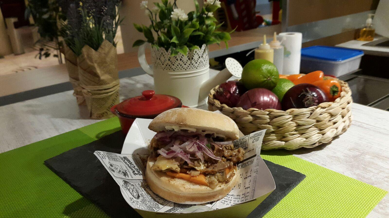 Nueva edición de Calle Gourmet, el primer mercado de Street food a cubierto de Madrid 1