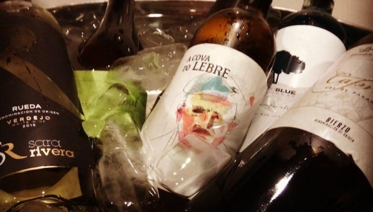 Primera #catadelosviernes de vinos blancos en Deluxe Café-Bar 2