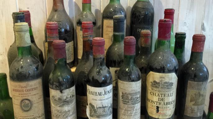 Encuentran en un restaurante una bodega secreta con auténticas joyas de vinos 1