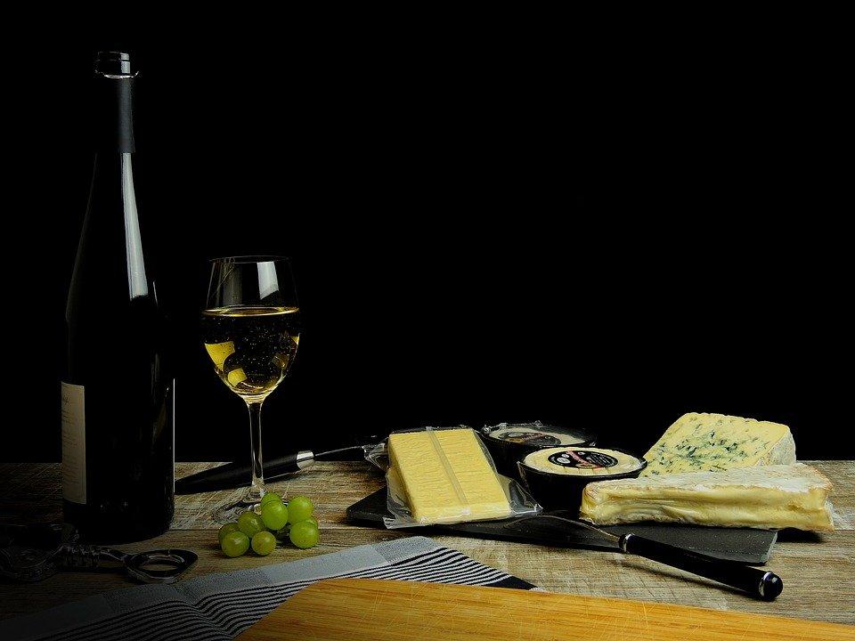 Maridar vino y queso te vuelve más sano y más inteligente según un reciente estudio 1