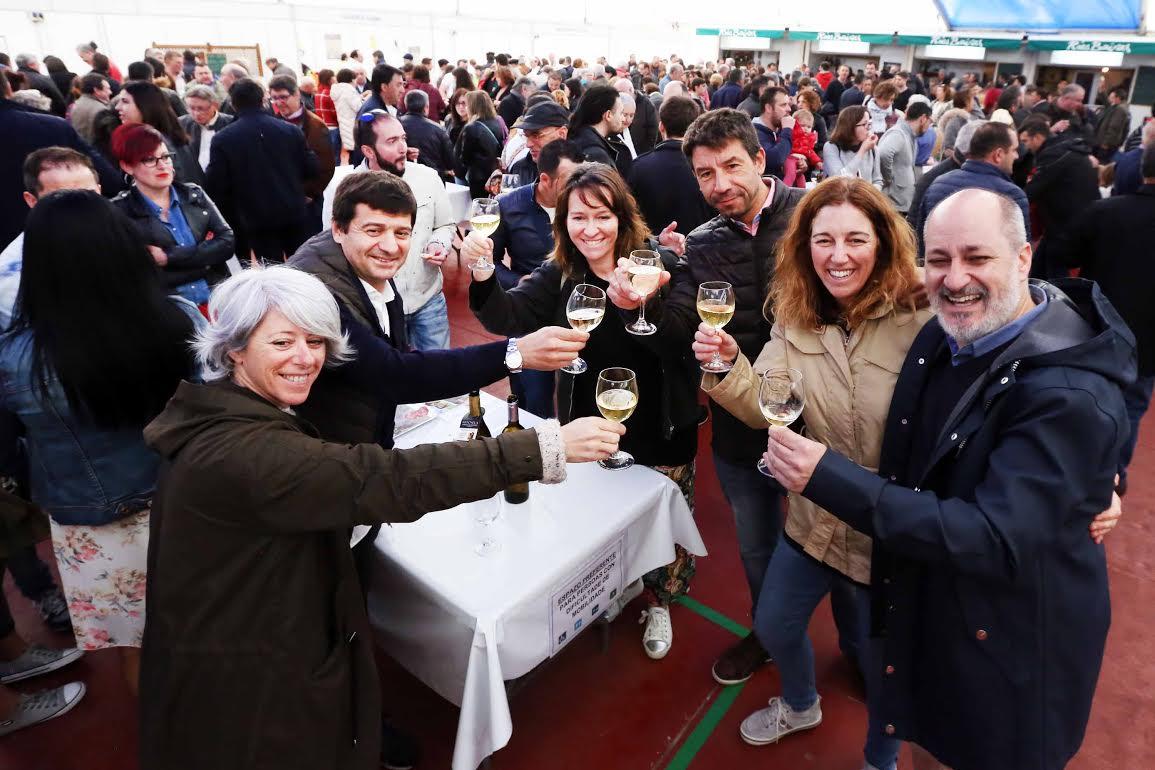 Rotundo éxito en el inicio de la LVII Festa de Lamprea de Arbo 1