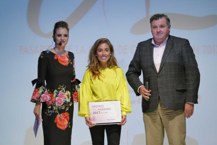 Estefanía Calonge, galardonada con el Premio Ribera del Duero al Mejor vestido inspirado en los vinos de la Denominación de Origen 1
