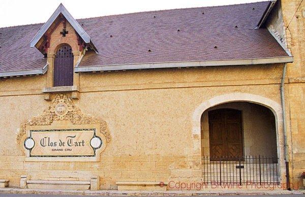 Récord mundial en precios de viñedos en la compra de Clos de Tart Grand Cru en Côte d'Or 1