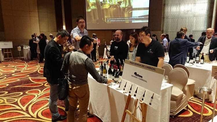 El Vino de Pago crece explosivamente en Asia en 2017: Dehesa del Carrizal aumenta más de un 30% sus ventas en este complejo mercado 4