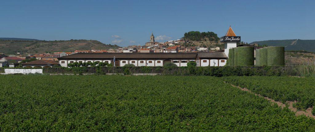 Bodegas Corral, Don Jacobo galardonado con el Premio a la Internacionalización de La Rioja 1
