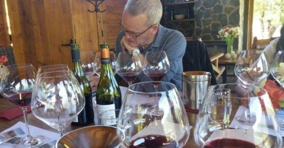 Tim Atkin a la cata de 1.200 vinos chilenos 1